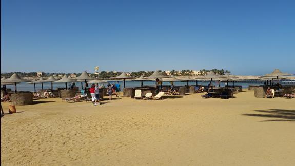 plaża   w hotelu Jaz Lamaya Resort