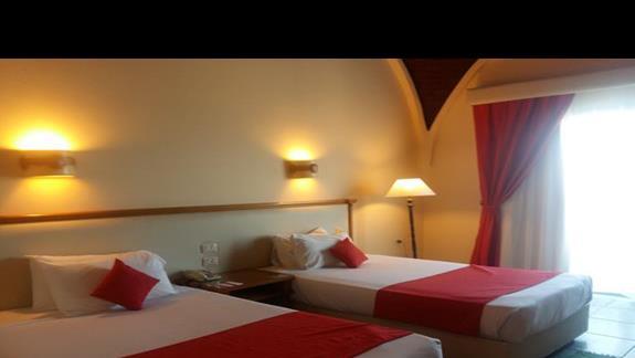pokój standardowy w hotelu Calimera Club Akassia Swiss Resort