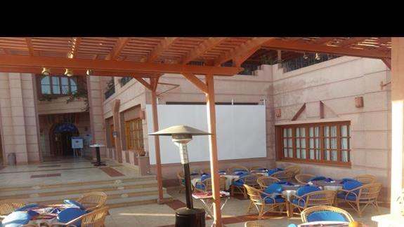 bar na zewnątrz w hotelu Calimera Club Akassia Swiss Resort