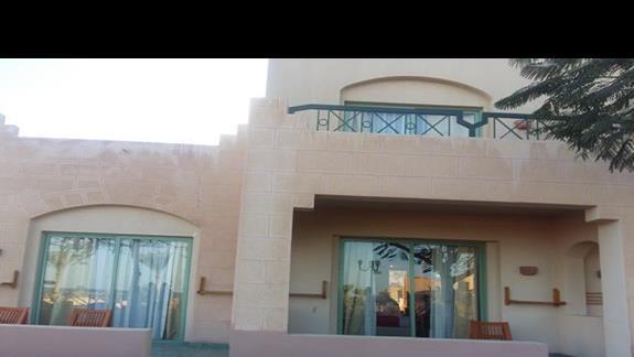pokój z zewnątrz hotelu Calimera Club Akassia Swiss Resort