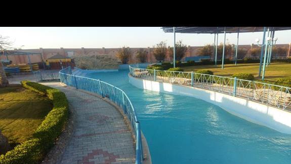 rwąca rzeka w hotelu Calimera Club Akassia Swiss Resort