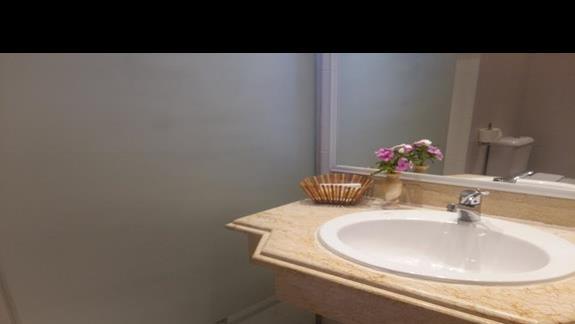 łazienka w hotelu Calimera Club Akassia Swiss Resort